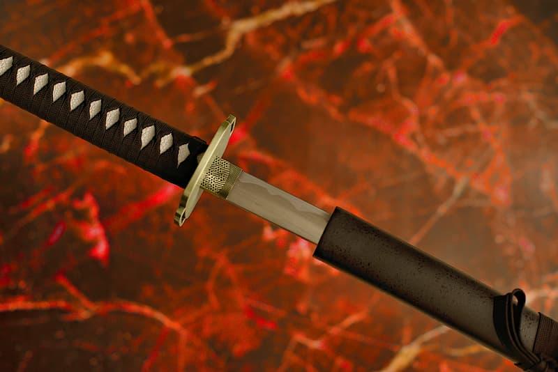 Masamune (正宗), sabre de Sephiroth (Final Fantasy VII), version de décoration (katana à grande lame) | « J'ai toujours su, dès l'enfance... Je n'étais pas comme les autres. J'ai toujours su que j'étais différent. Mais je... Mais je n'aurais jamais imaginé cela. Suis-je... un être humain ? », Séphiroth dans Crisis Core