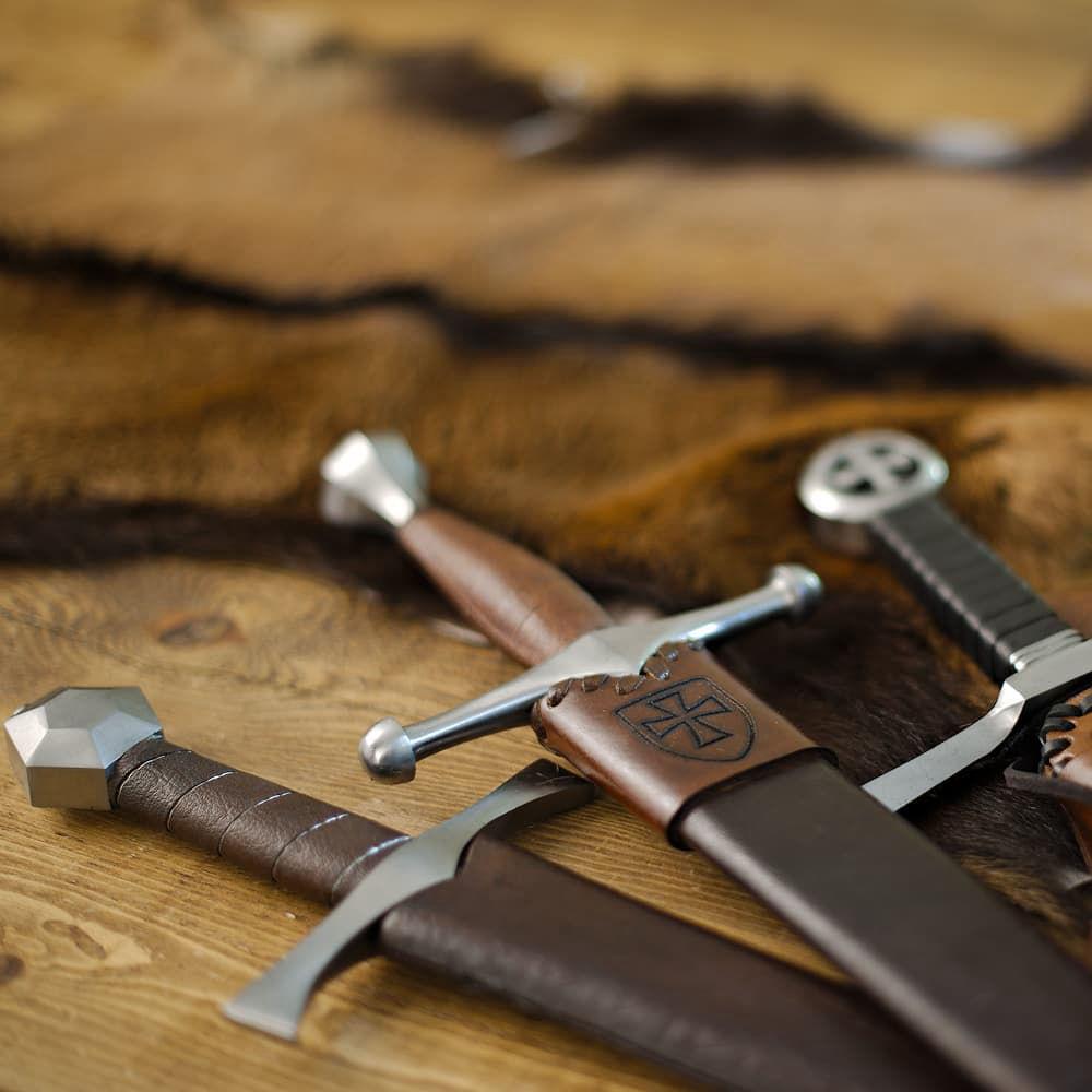 Dagues médiévales, poignards médiévaux