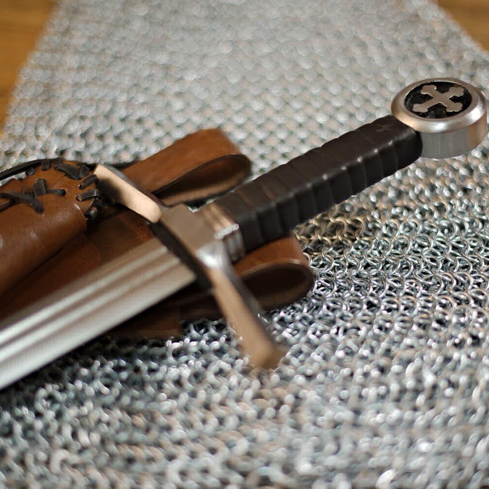 Épée médiévale du chevalier croisé