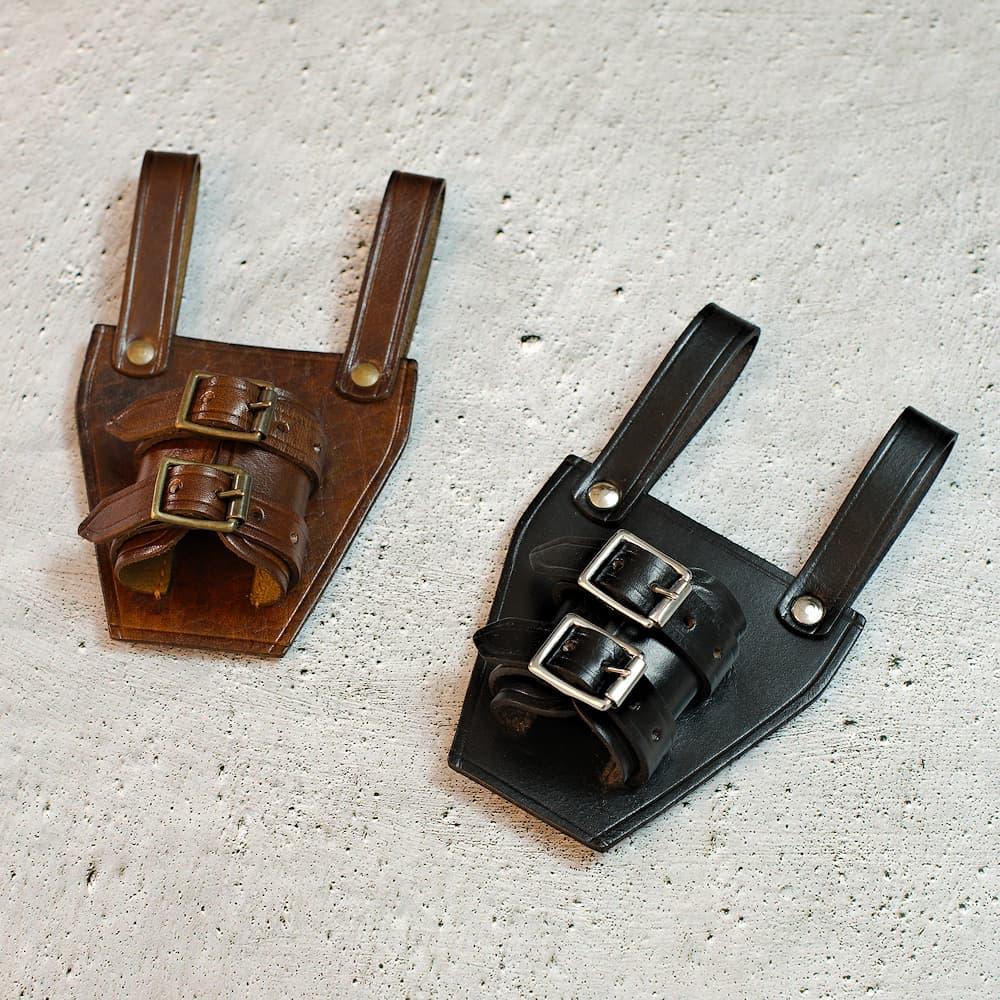 Porte-épée / dague médiévale en cuir brun ou noir