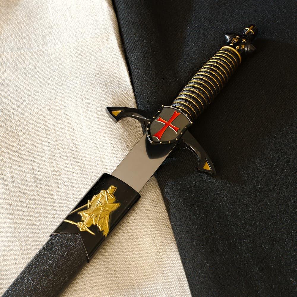 Baussant, dague templière symbolique